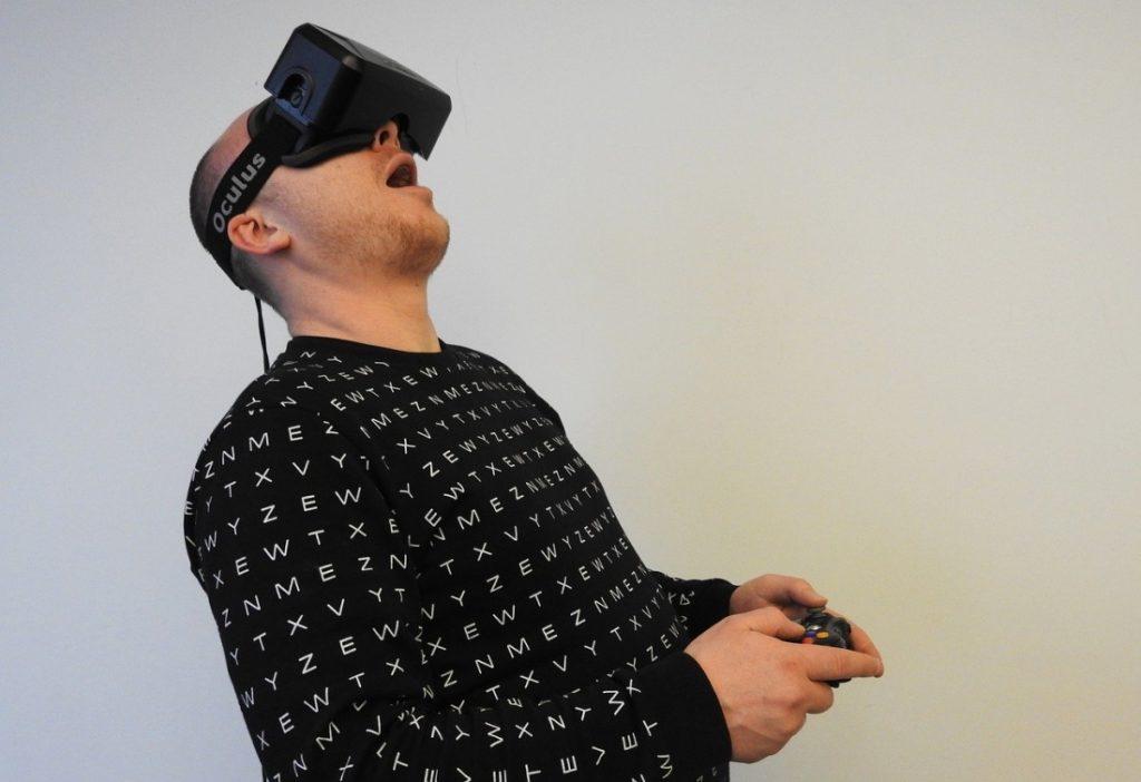 Aktiv mit VR Brille erleben